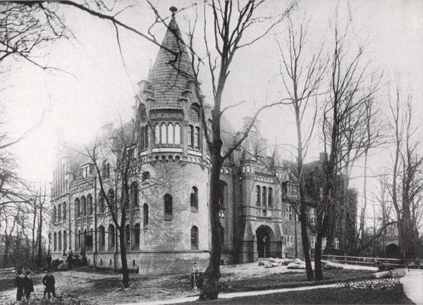 Postkarte Schloß Bergedorf, Aufnahme von G. Koppmann vom 15. 4. 1899. Wiedergabe mit freundlicher Genehmigung des Museums für Bergedorf und die Vierlande.