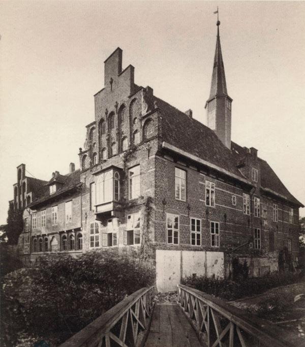Schloss Bergedorf, Südansicht, Foto um 1880. Wiedergabe mit freundlicher Genehmigung des Museums für Bergedorf und die Vierlande