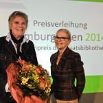 Preisträgerin Maike Bruhns und Stabi-Direktorin Gabriele Beger